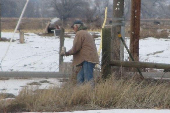 Fixing-Fence-1