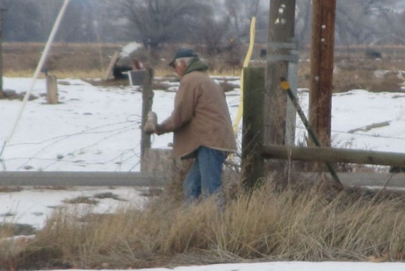 Fixing-Fence-1