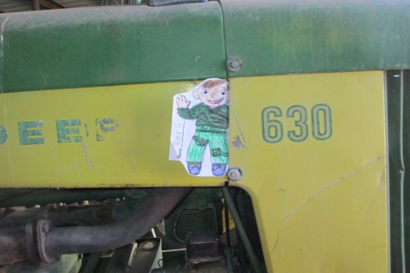 Flat-Stanley-and-Tractor
