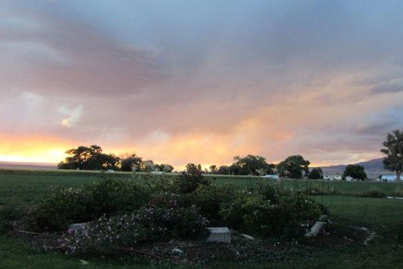 sunset-thunderstorm