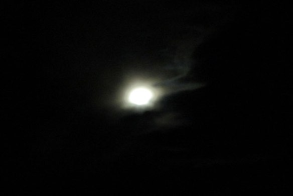 cloudy-full-moon